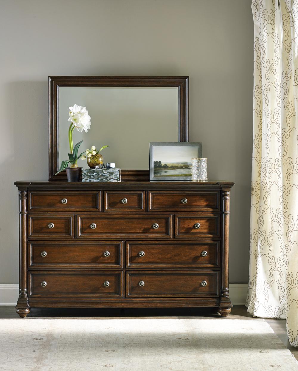 Hooker Furniture - Leesburg Landscape Mirror