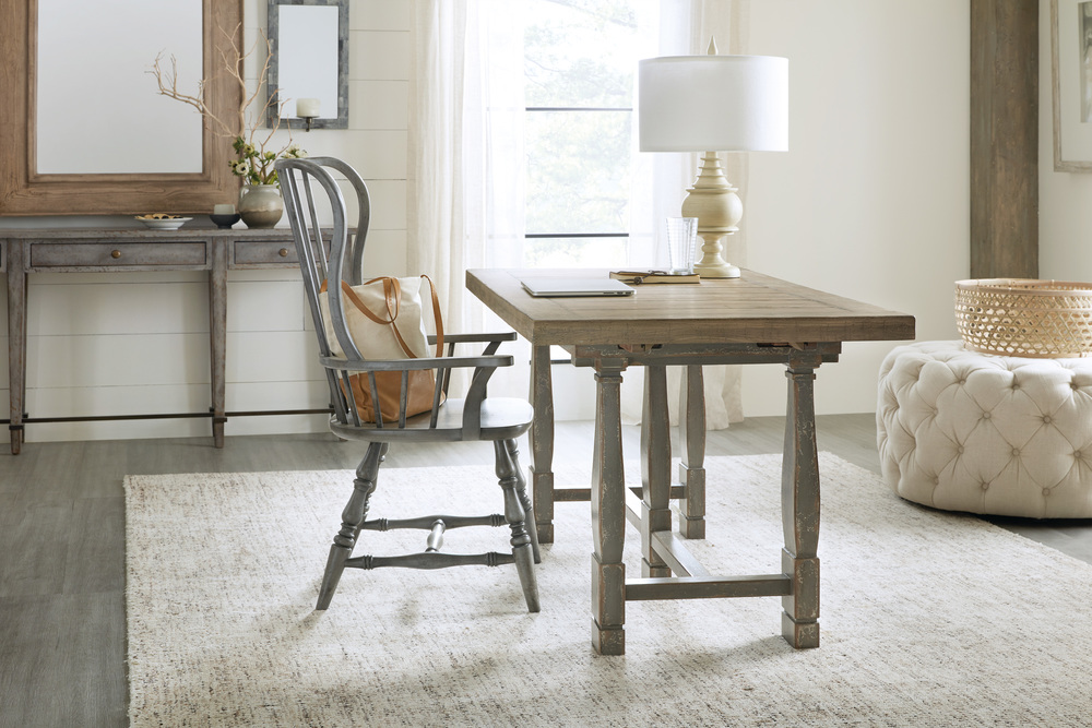 HOOKER FURNITURE CO - Spindle Back Arm Chair