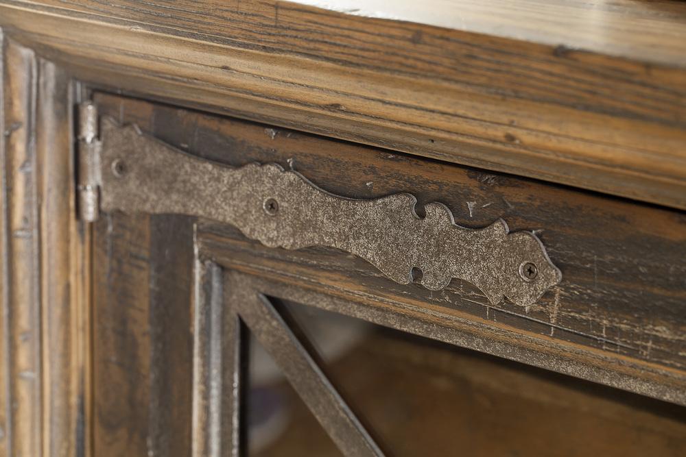 Hooker Furniture - Pipe Creek Bunching Media Console