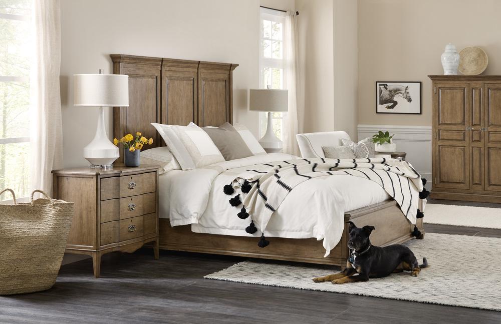 Hooker Furniture - King Wood Mansion Bed