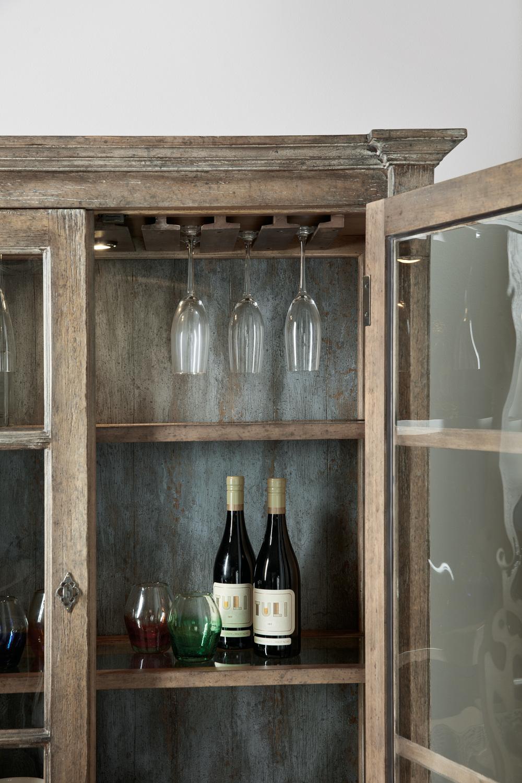 Hooker Furniture - OQuinn Bar Cabinet