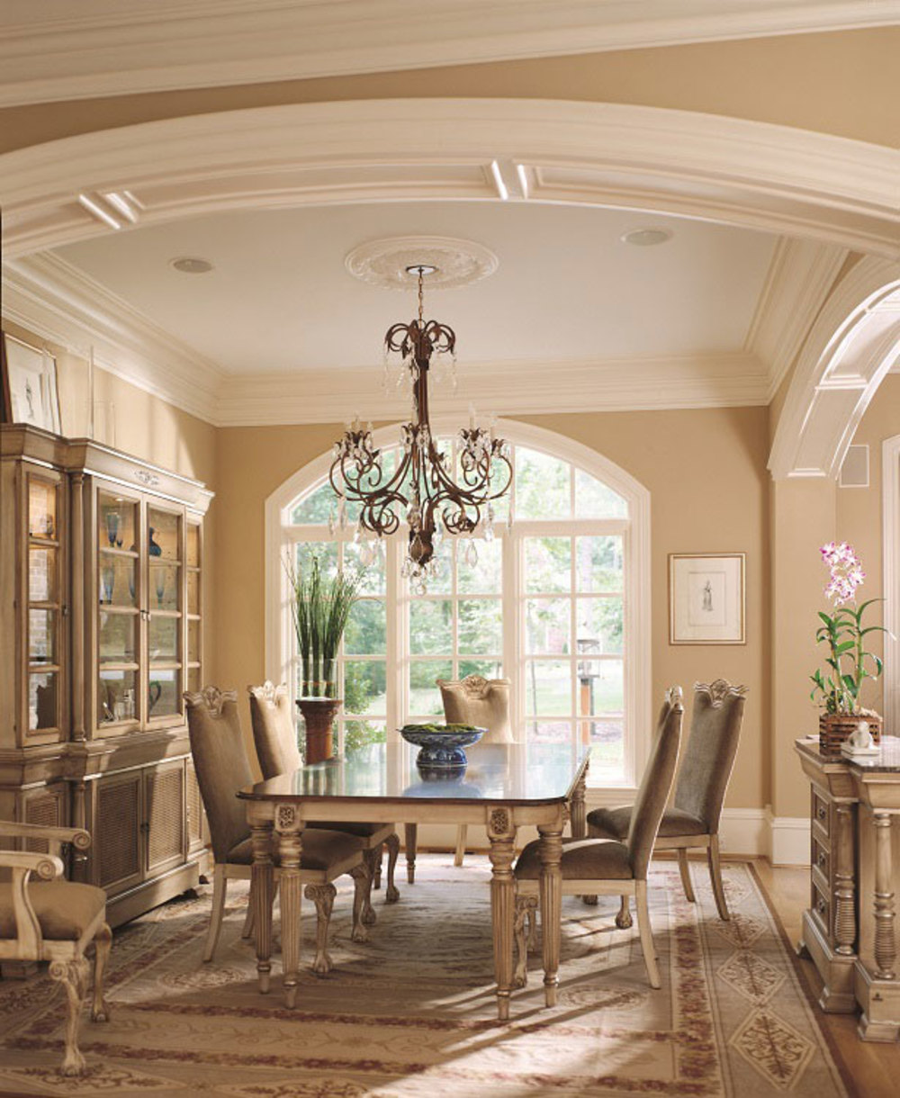 Hurtado - Trianon Dining Table