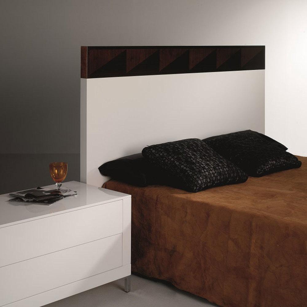 Hurtado - King Size Bed