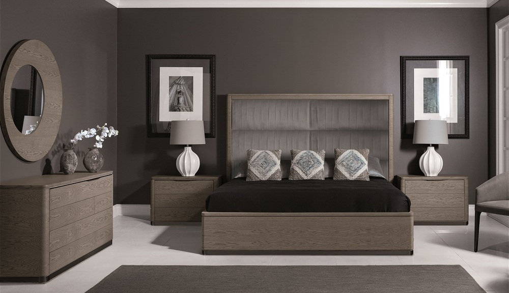 Hurtado - Upholstered King Size Bed