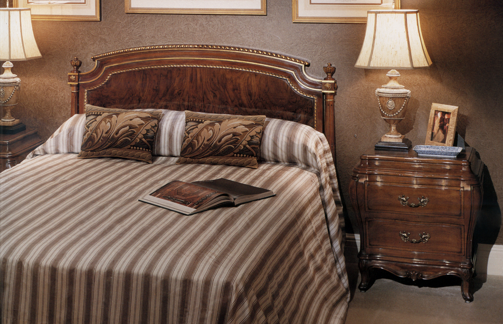 Karges Furniture - Venetian Commode