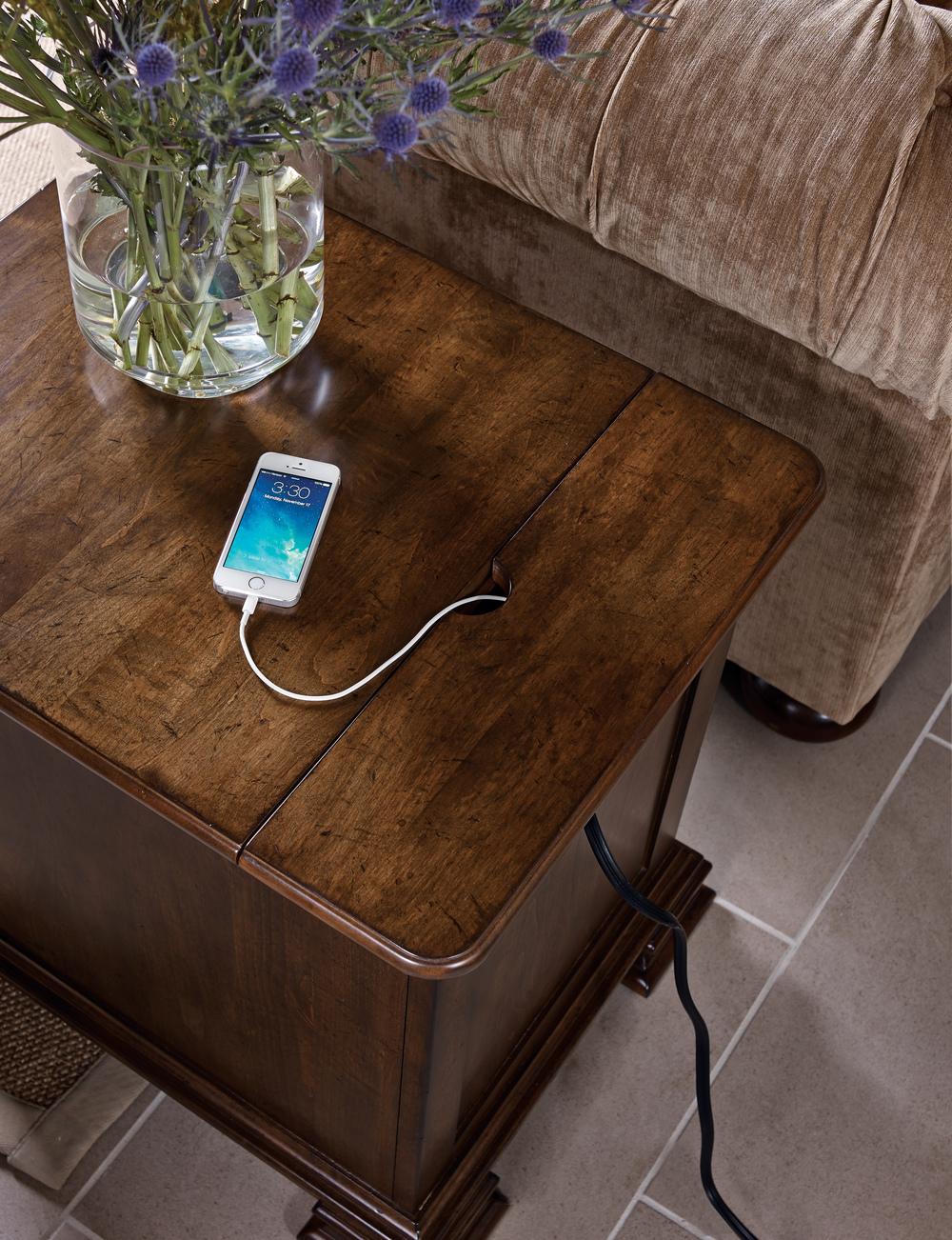 Kincaid Furniture - Portolone Chairside Table