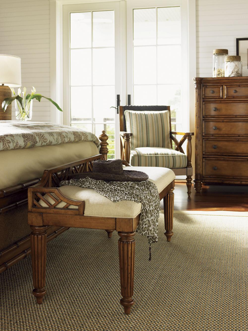 Lexington - Plantain Bed Bench