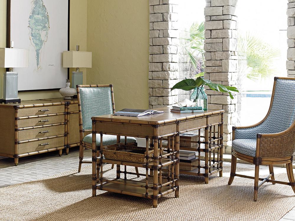 Lexington - Balfour Host Chair