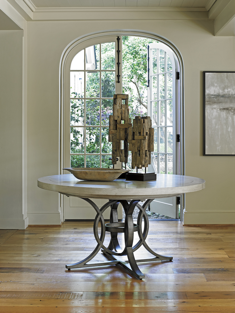 Lexington - Calerton Round Dining Table