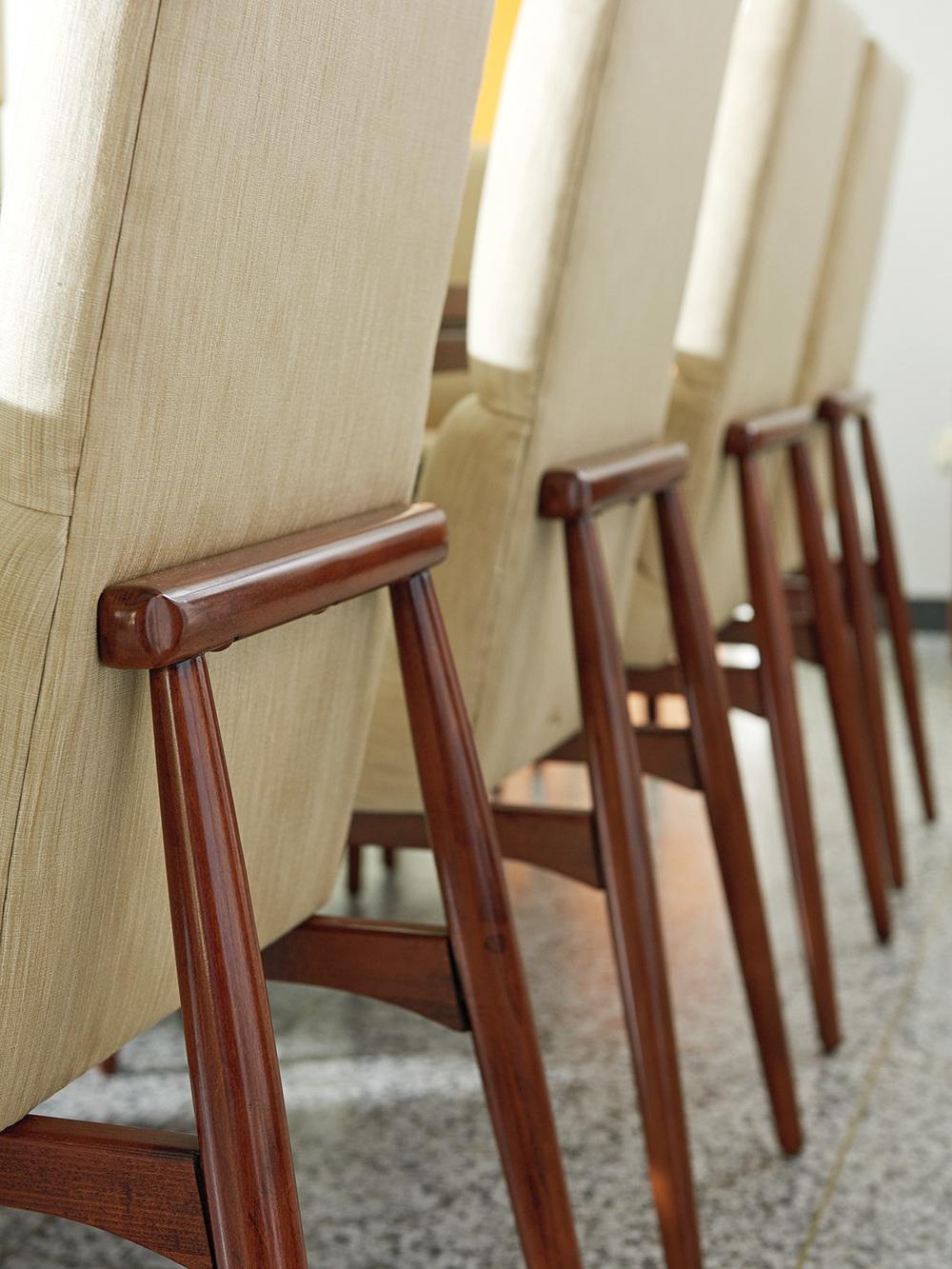 LEXINGTON HOME BRANDS - Chelsea Upholstered Side Chair
