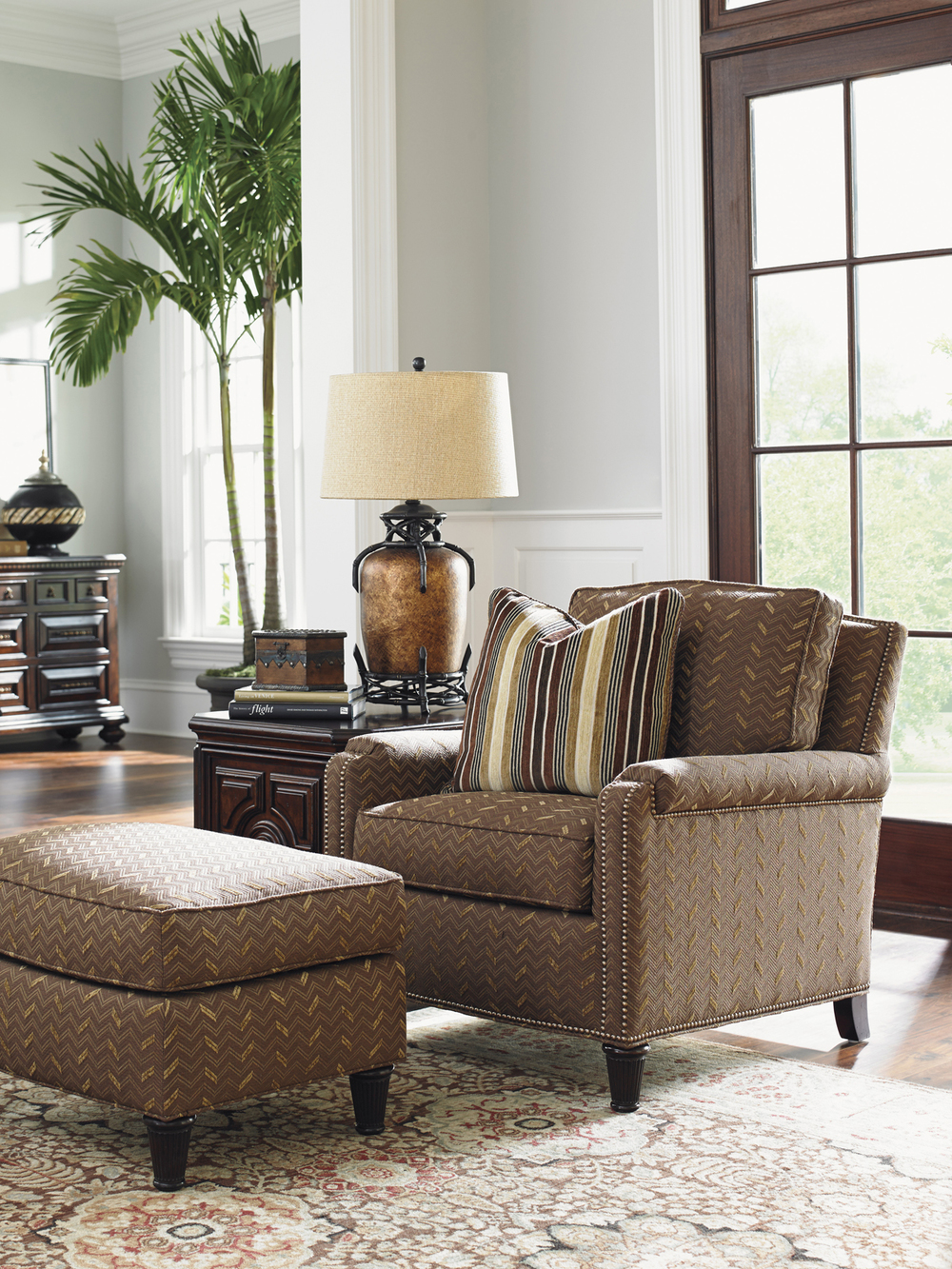 Lexington - Bishop Chair
