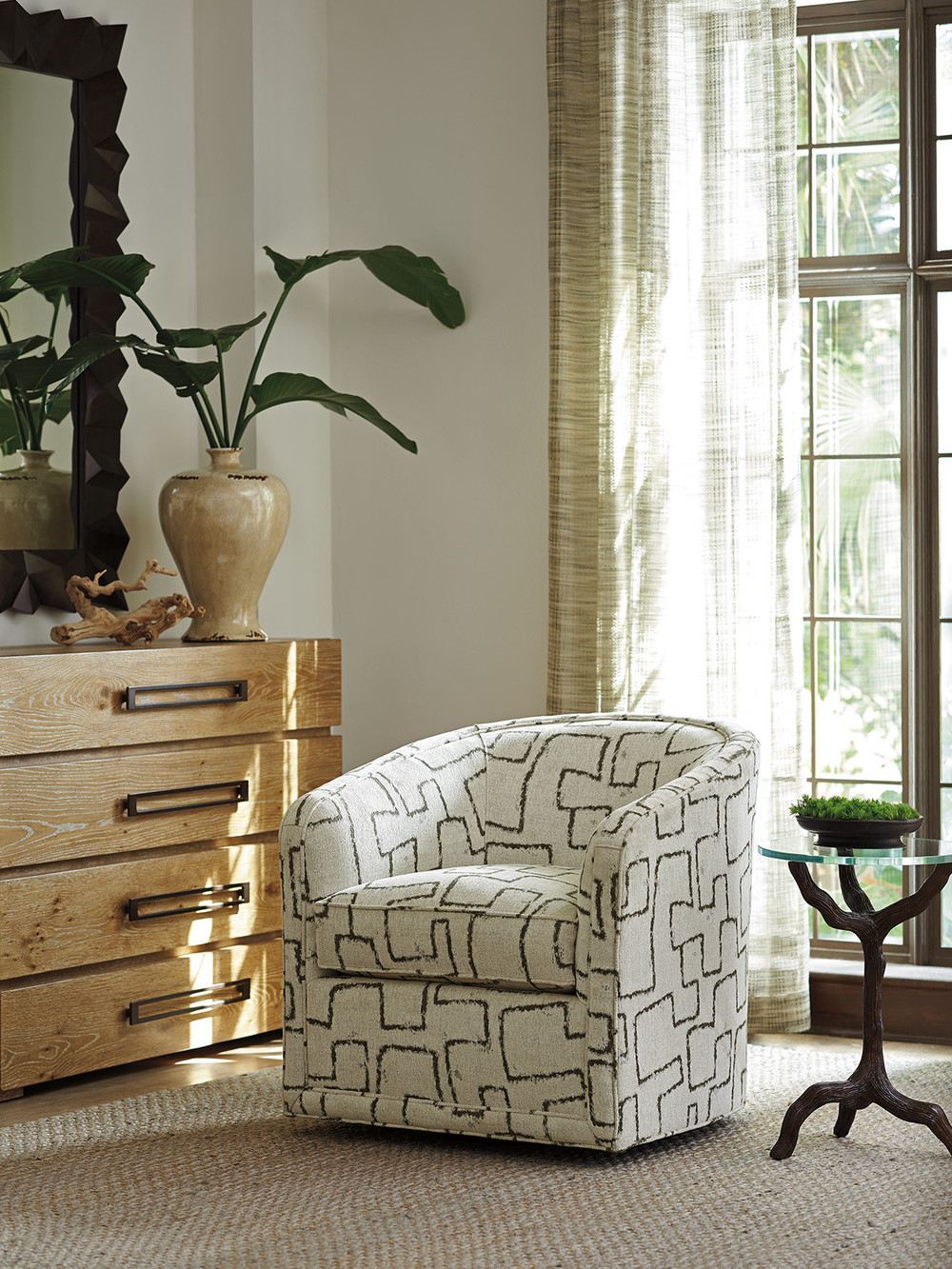 Lexington - Colton Swivel Chair