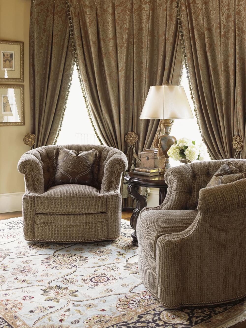 Lexington - Feroni Swivel Chair