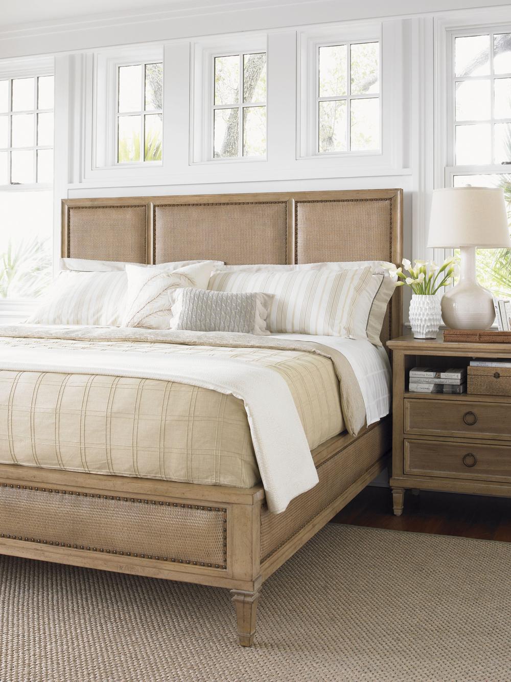 Lexington - Pacific Grove Bed