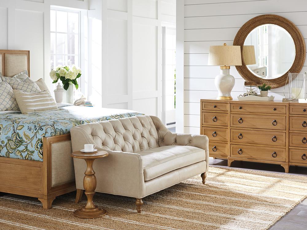 Lexington - Garnet Breakfront Dresser