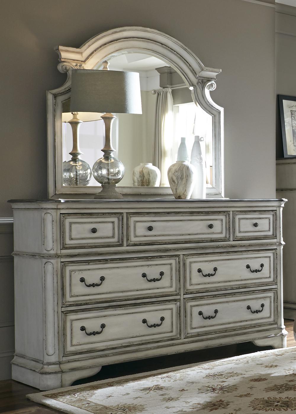 Liberty Furniture - Seven Drawer Dresser