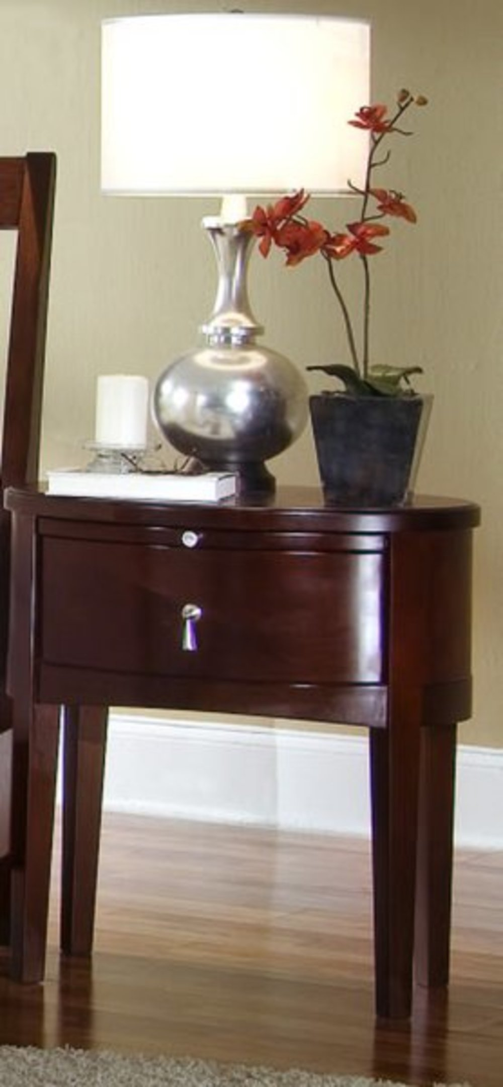 Ligna Furniture - One Drawer Oval Nightstand