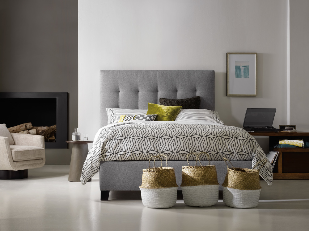 Sam Moore - Martin Queen Upholstered Bed