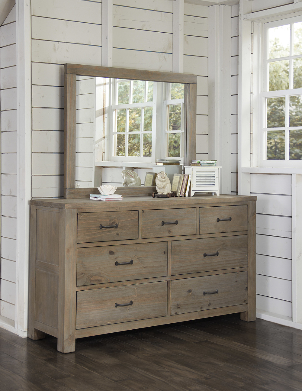 Hillsdale Kids & Teen - Highlands Seven Drawer Dresser