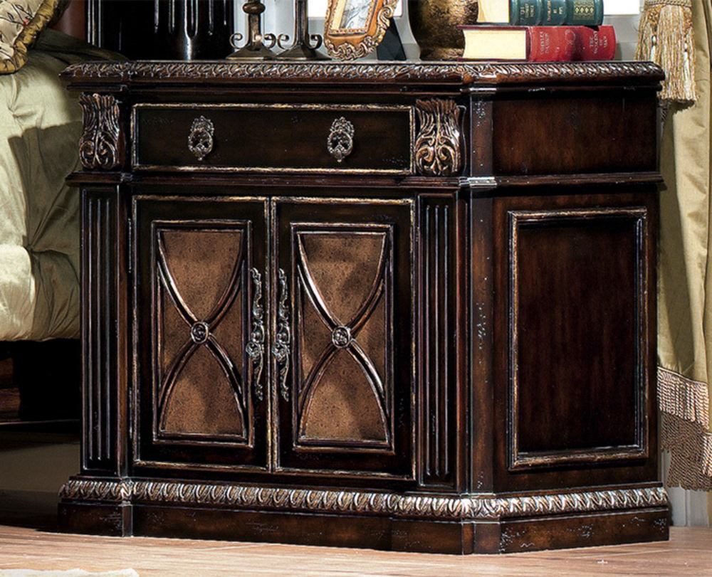 Orleans International - Le Palais Nightstand