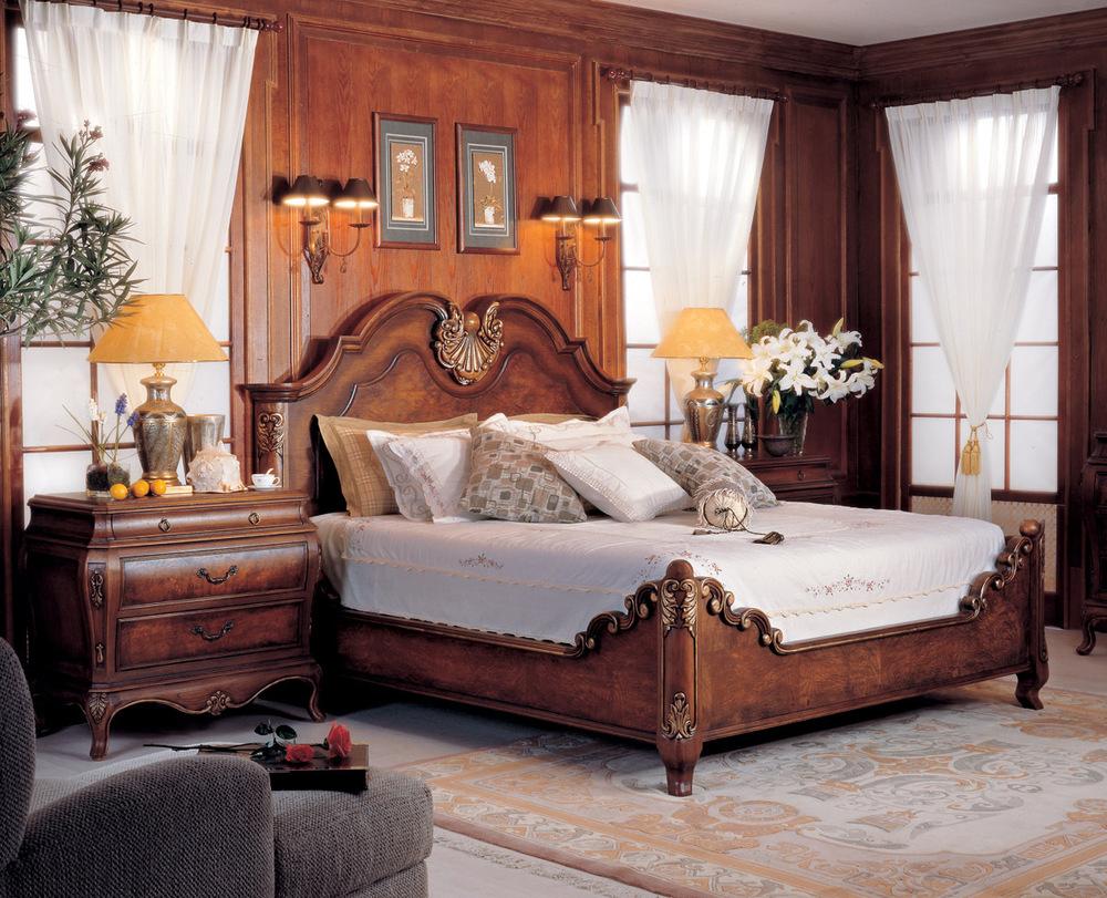 Orleans International - Valois Queen Bed