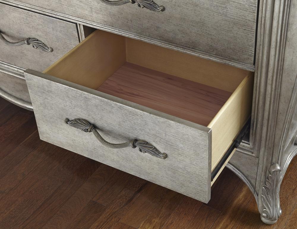 Dresser And Mirror By Pulaski, Furnitureland In Pulaski