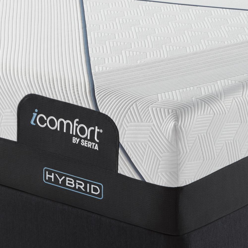 Serta Mattress - iComfort CF3000 Non-Quilted Hybrid Plush Mattress with Standard Box Spring