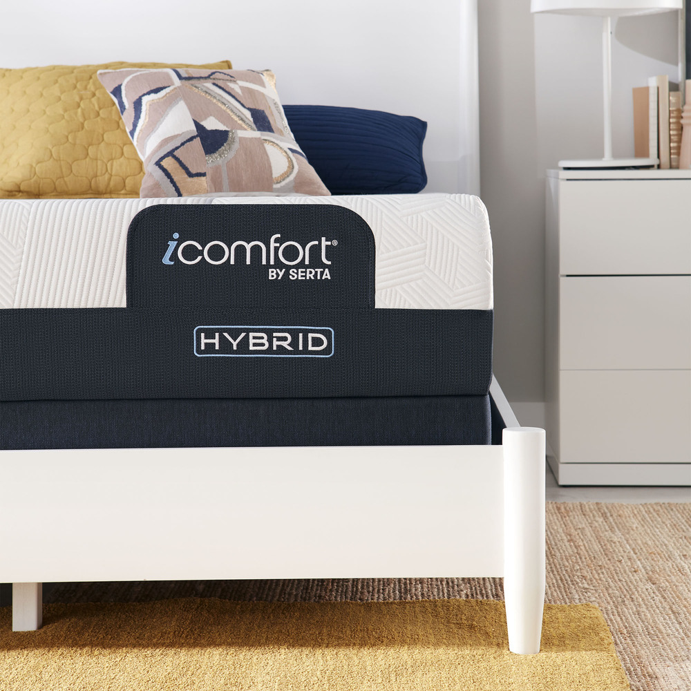 SERTA MATTRESS COMPANY - iComfort CF1000 Non-Quilted Hybrid Medium Mattress with Standard Box Spring
