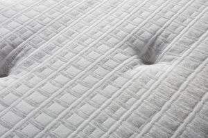 Thumbnail of Beautyrest - BRS900-C Silver Plush Mattress with BR Advanced Motion Base