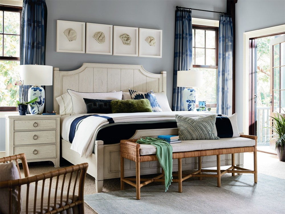 Universal Furniture - Surfside Queen Bed