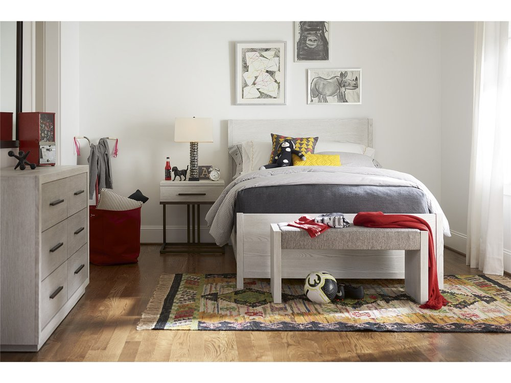 Universal Furniture - Bed with Rails, Queen