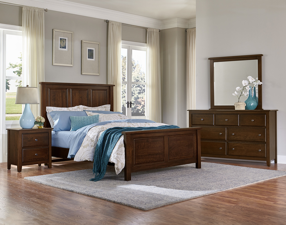 Vaughan Bassett - Panel Bed With Panel Footboard