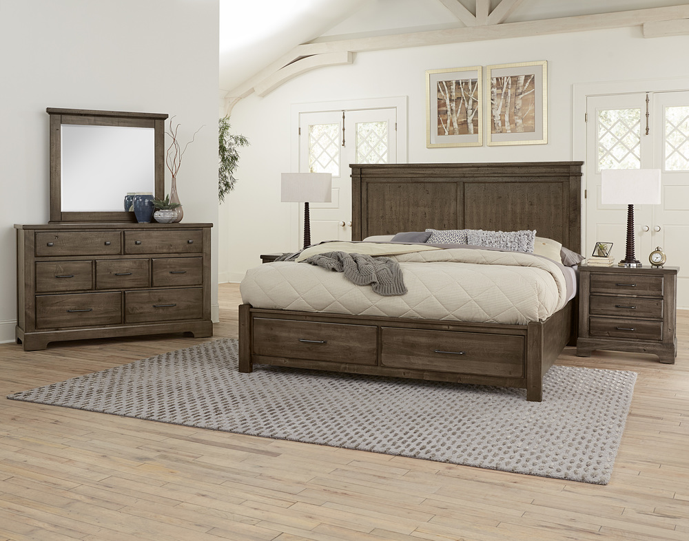 Vaughan Bassett - Mansion Bed With Footboard Storage
