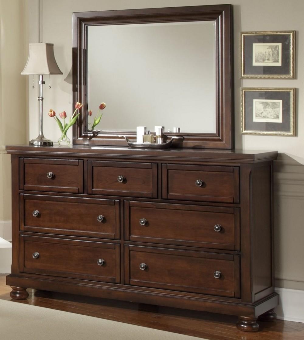Vaughan Bassett - 7 Drawer Storage Triple Dresser