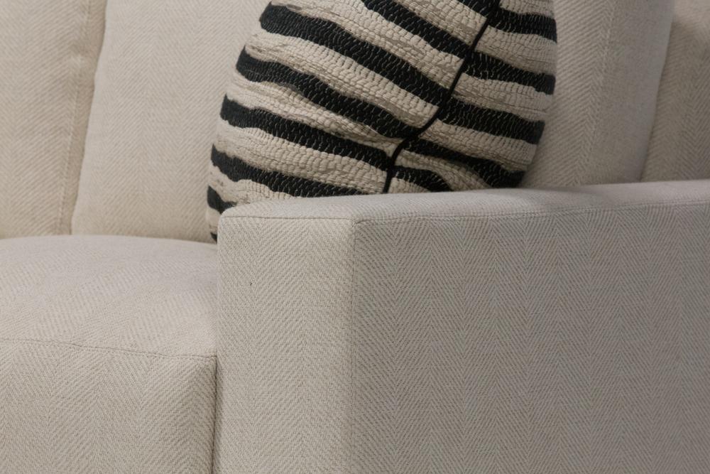 Wesley Hall - Ample Sofa